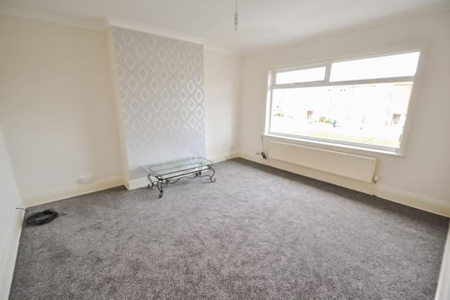 Thumbnail Flat to rent in Kingston Road, Willerby, Hull