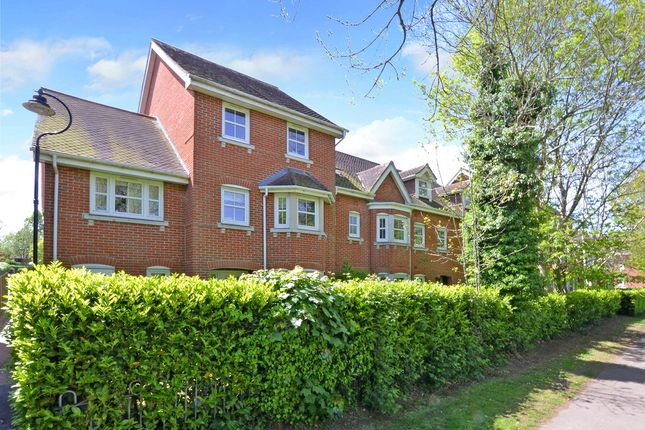 Thumbnail Town house for sale in Campbell Fields, Aldershot