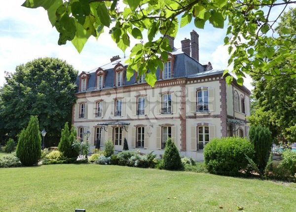 12 bed property for sale in 77, Marne-La-Vallée, Fr