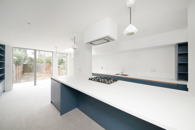 Thumbnail Property to rent in Lacon Road, East Dulwich
