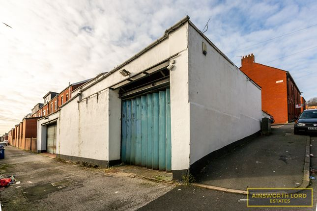 Thumbnail Commercial property for sale in Investment Opportunity - Workshop & House, Bastwell, Blackburn