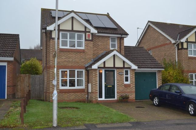 Thumbnail Property to rent in Knights Orchard, Hemel Hempstead