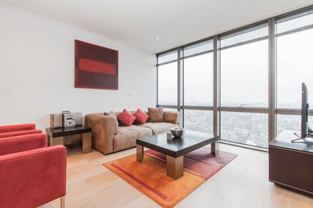 Thumbnail Flat to rent in One West India Quay, 26 Hertsmere Road, London
