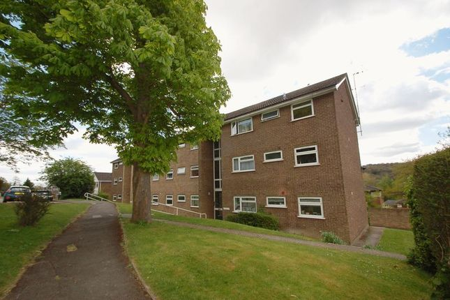 Flat to rent in Brambleside, High Wycombe