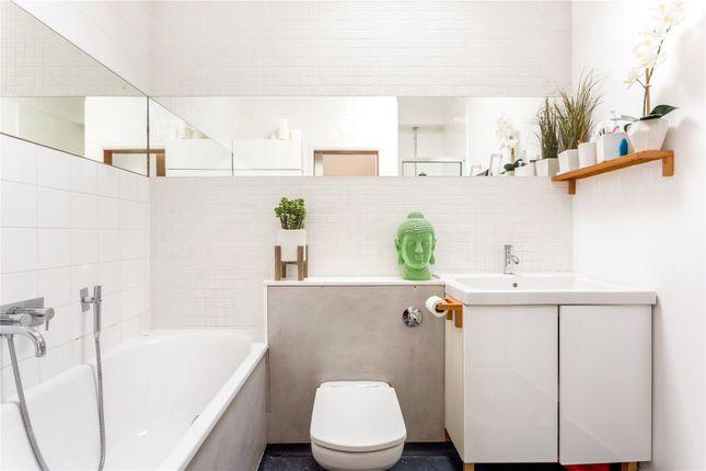 Bathroom of Gore Road, Burnham, Buckinghamshire SL1