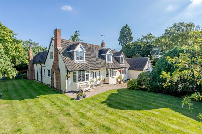 Thumbnail Property for sale in Elford, Tamworth, Staffordshire