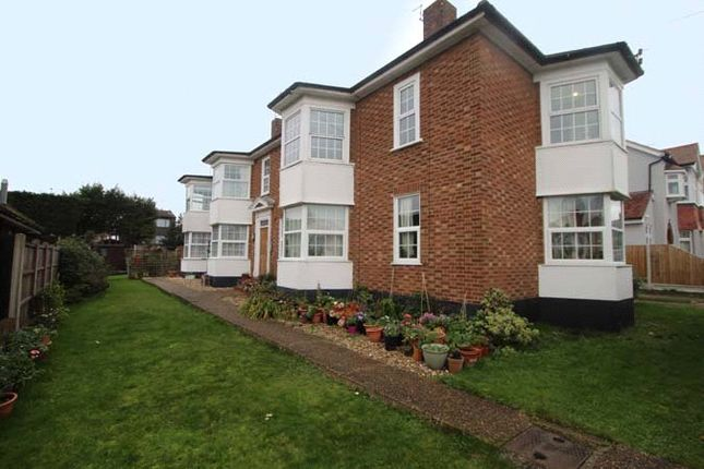 3 bed flat for sale in Salisbury Road, Leigh-On-Sea, Essex SS9