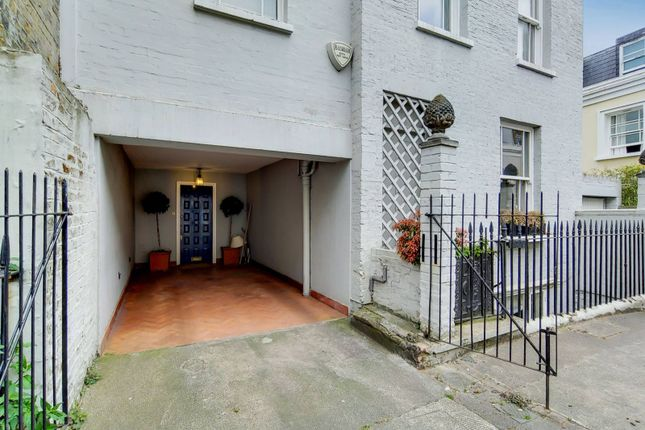 Thumbnail Property for sale in Billing Road, Chelsea, London