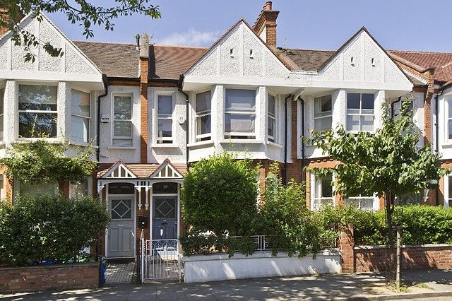 5 bed property for sale in Finstock Road, London