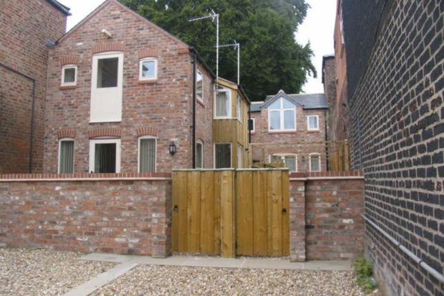 Thumbnail Semi-detached house to rent in Middle Street North, Driffield, East Yorkshire