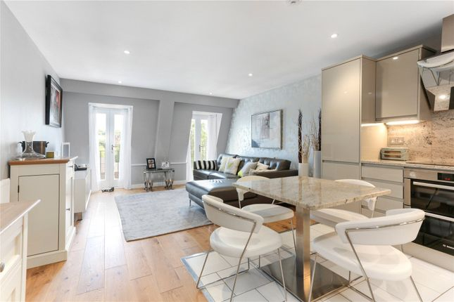 Thumbnail Flat for sale in Cardigan House, Ailesbury Court, High Street, Marlborough