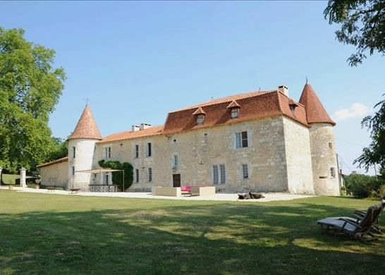 Thumbnail Property for sale in 16250 Pérignac, France