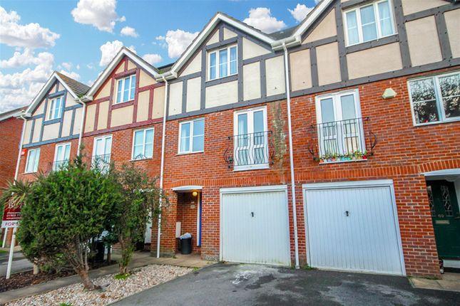 Thumbnail Detached house to rent in Norfolk Road, Littlehampton