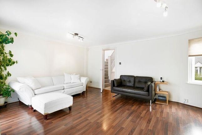 Thumbnail Flat to rent in Sextant Avenue, Canary Wharf