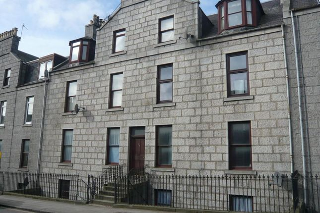 168 Crown Street, Basement Right − Exterior