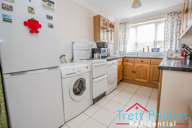 Thumbnail Flat for sale in Hastings Way, Sutton, Norwich