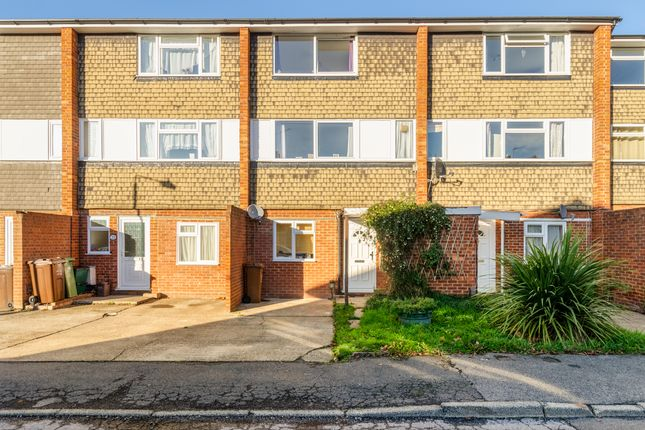 Thumbnail Terraced house for sale in Gloucester Gardens, Sutton