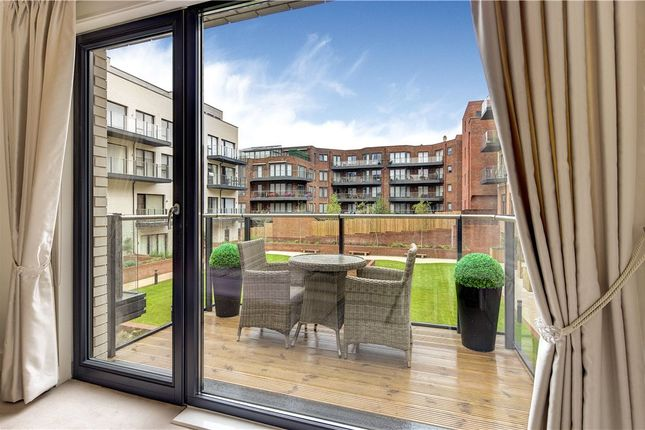 Thumbnail Flat to rent in Lexington Place, 765 Finchley Road, London