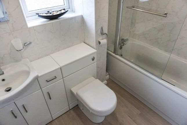 Family Bathroom of Ludlow Road, Itchen, Southampton SO19
