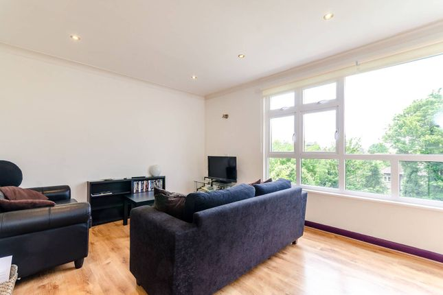 Thumbnail Flat to rent in Chesterfield Court, Surbiton