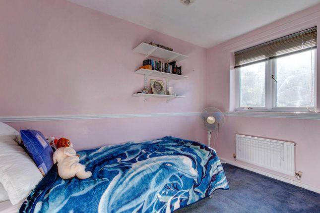 Bedroom 4 of Elmhurst Close, Hunt End, Redditch B97