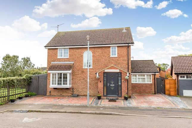 5 bed detached house to rent in Deacon Close, Rushden NN10
