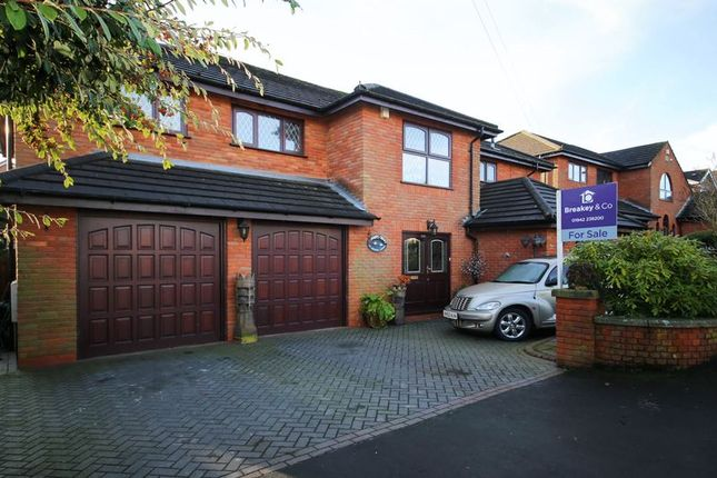 Thumbnail Detached house for sale in Longshaw Common, Billinge, Wigan