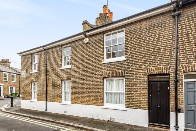 2 bed terraced house to rent in Caradoc Street, London SE10