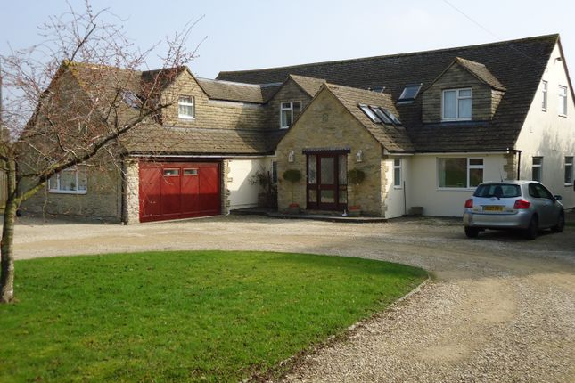 Thumbnail Room to rent in Brize Norton Road, Minster Lovell, Witney