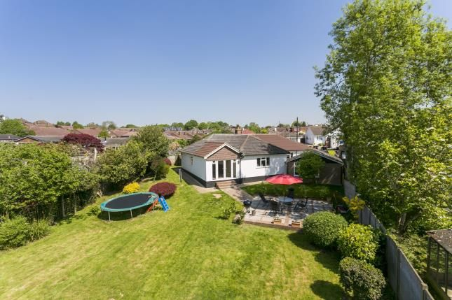 Thumbnail Bungalow for sale in Cherry Grove, Tonbridge, Kent