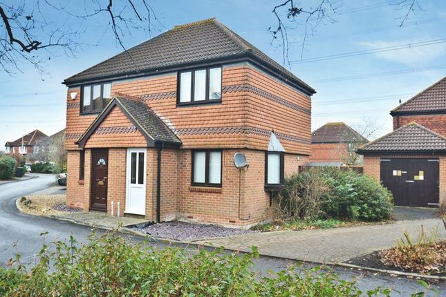 Thumbnail Semi-detached house for sale in Washford Glen, Didcot