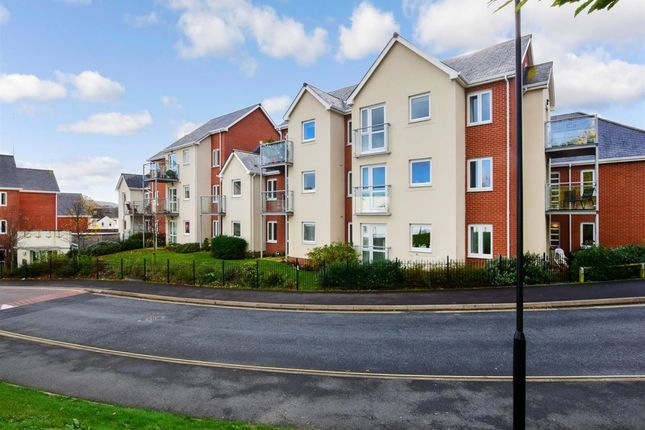 1 bed flat to rent in Foxes Road, Newport PO30