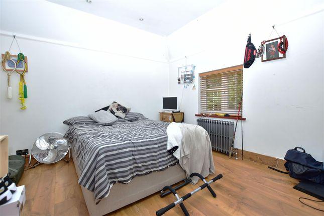 Bedroom 2 of Wrotham Road, Meopham, Gravesend DA13