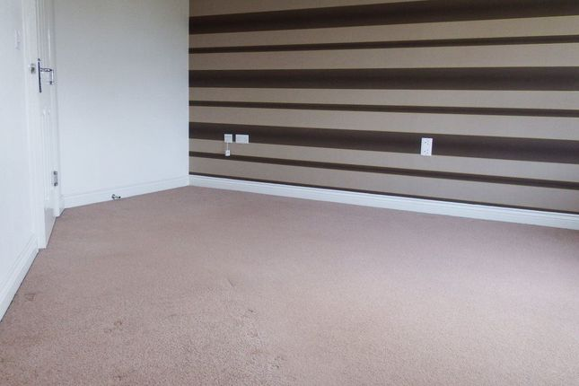 Thumbnail Flat to rent in Cravenwood Rise, Westhoughton, Bolton