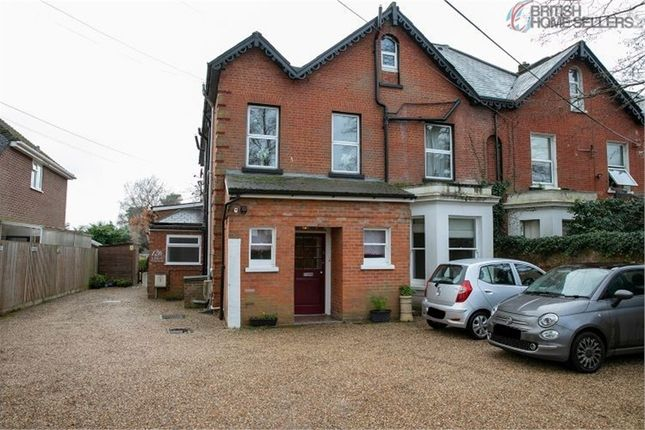 1 bed flat for sale in 126 Reading Road South, Fleet, Hampshire GU52