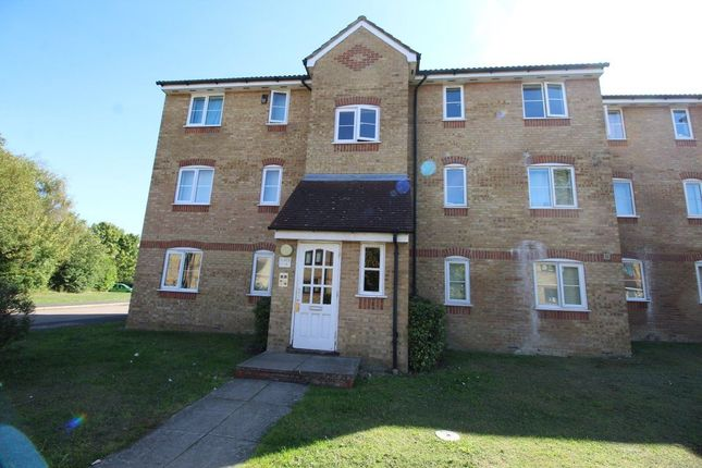 Thumbnail Flat to rent in Prestatyn Close, Stevenage