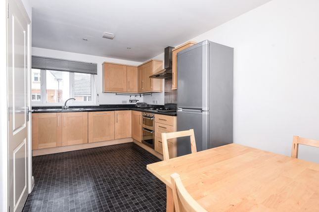 Thumbnail Town house to rent in Morris Avenue, Uxbridge, Middlesex
