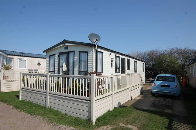 Thumbnail Property for sale in Carr Road, Felixstowe