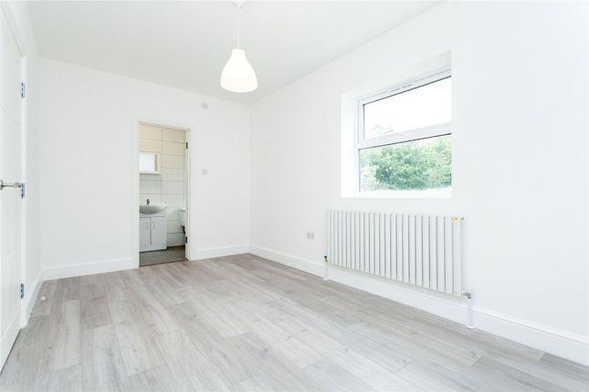 Bedroom of Norwich Road, London CR7