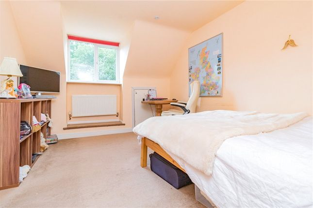 Bedroom of Frensham Road, Crowthorne, Berkshire RG45