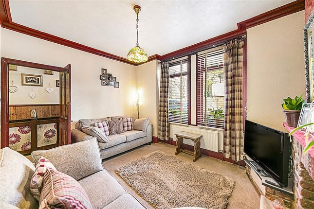 Flat for sale in Gambetta Street, London