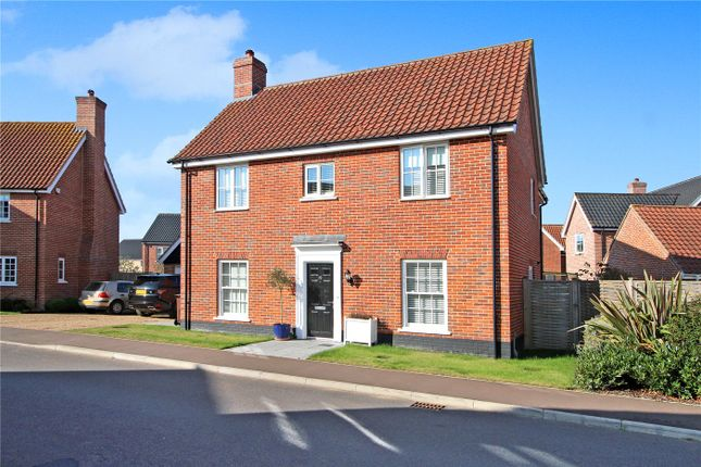 4 bed detached house for sale in Broomefield Road, Stoke Holy Cross, Norwich, Norfolk NR14