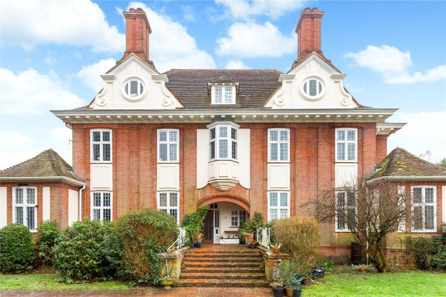 Thumbnail Flat for sale in Arborfield Court, Arborfield, Berkshire