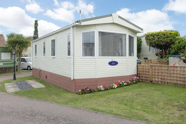 2 bed mobile/park home for sale in Manston Court Road, Margate