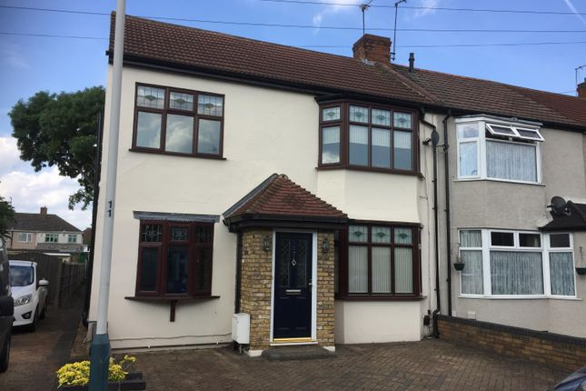 Thumbnail Semi-detached house to rent in Harwood Avenue, Hornchurch