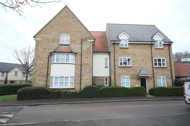Thumbnail Flat for sale in Bramble Tye, Laindon, Essex