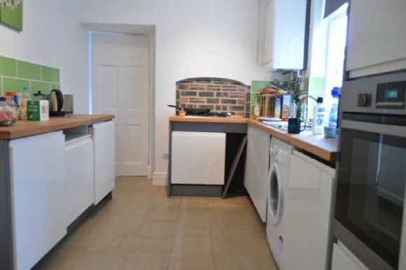 Thumbnail Terraced house to rent in Princes Road, Penkhull, Stoke On Trent