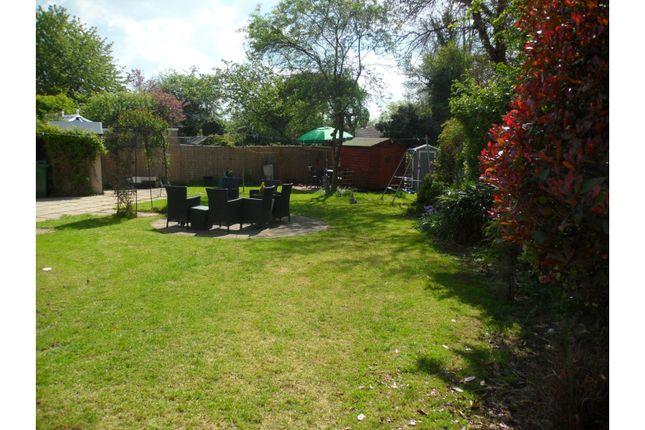 Mature Garden of Wilshere Close, Kirby Muxloe, Leicester LE9