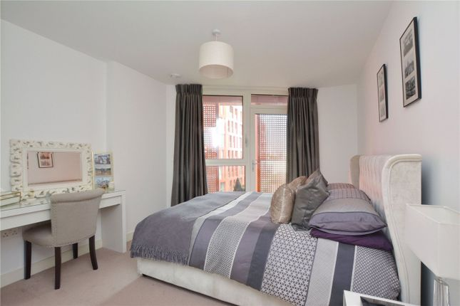 Picture No. 06 of Lariat Apartments, 36 Cable Walk, Greenwich, London SE10