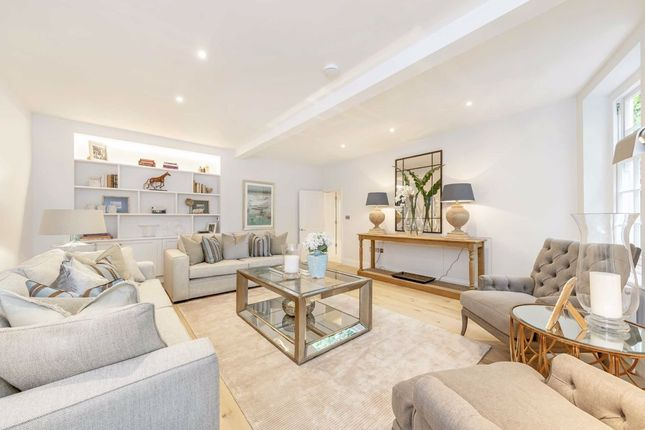 Thumbnail Property for sale in Perrins Walk, London